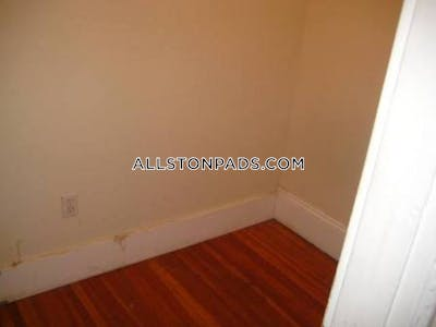 Allston lovely 4 bed 2 bath located in Allston on Prince road Available 9/1/2020 Boston - $3,850