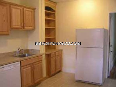 Brighton Nice 3 Bed 1 Bath available for Sep 1, 2020.  Boston - $3,750