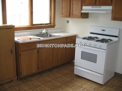 Brighton Great 2 Bedroom 1 Bathroom on Montfern Avenue in Brighton Available now! Boston - $1,950