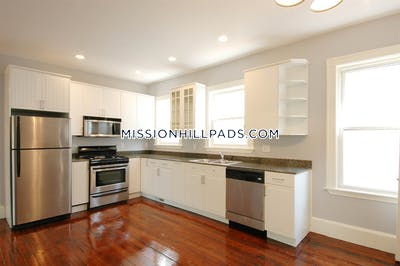 Mission Hill Amazing 4 Beds 1 Bath Boston - $5,000