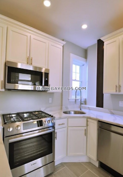 Back Bay STUNNING 2 BEDROOM APARTMENT IN BACK BAY AREA!! Boston - $3,400
