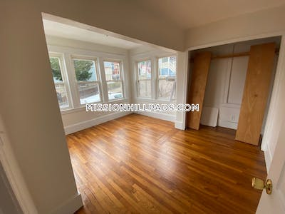 Mission Hill Amazing 5 bed 3 bath in Mission Hill Boston - $5,650 No Fee