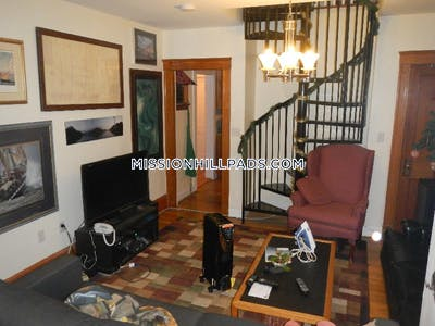 Mission Hill Gorgeous 4 bed 2 bath in Mission Hill  Boston - $5,250