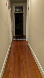 Brookline Deal Alert No Security Deposit! Spacious 2 bed 1 Bath apartment in Beacon St  Cleveland Circle - $2,150 No Fee