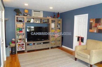 Cambridge Amazing 3 bed 3 bath in Cambridge  Located on 3rd street Available 9/1/2020  Lechmere - $3,900