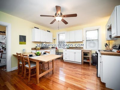 Somerville Awesome 3 bed 1 bath in Somerville  Located on Eliot street available now   Spring Hill - $2,900